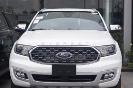 FORD EVEREST TITANIUM 4X2