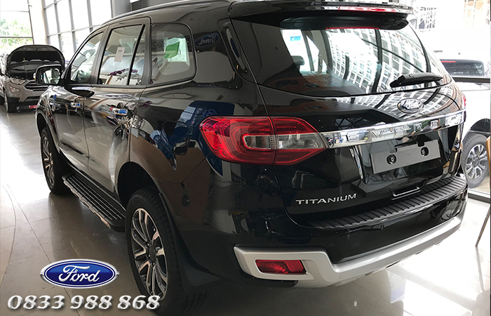 Thiết kế đuôi xe Ford Everest Ambiente